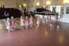 Ballet classes in action